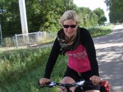 Suus on the bike.