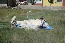 Beating wool in Develi