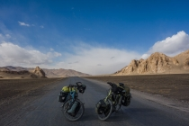 Mojo and Isaba on the pass