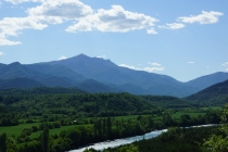 Beautiful view of the Aragon river.