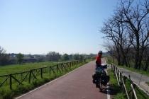 Cycling path into Rome along Tiber