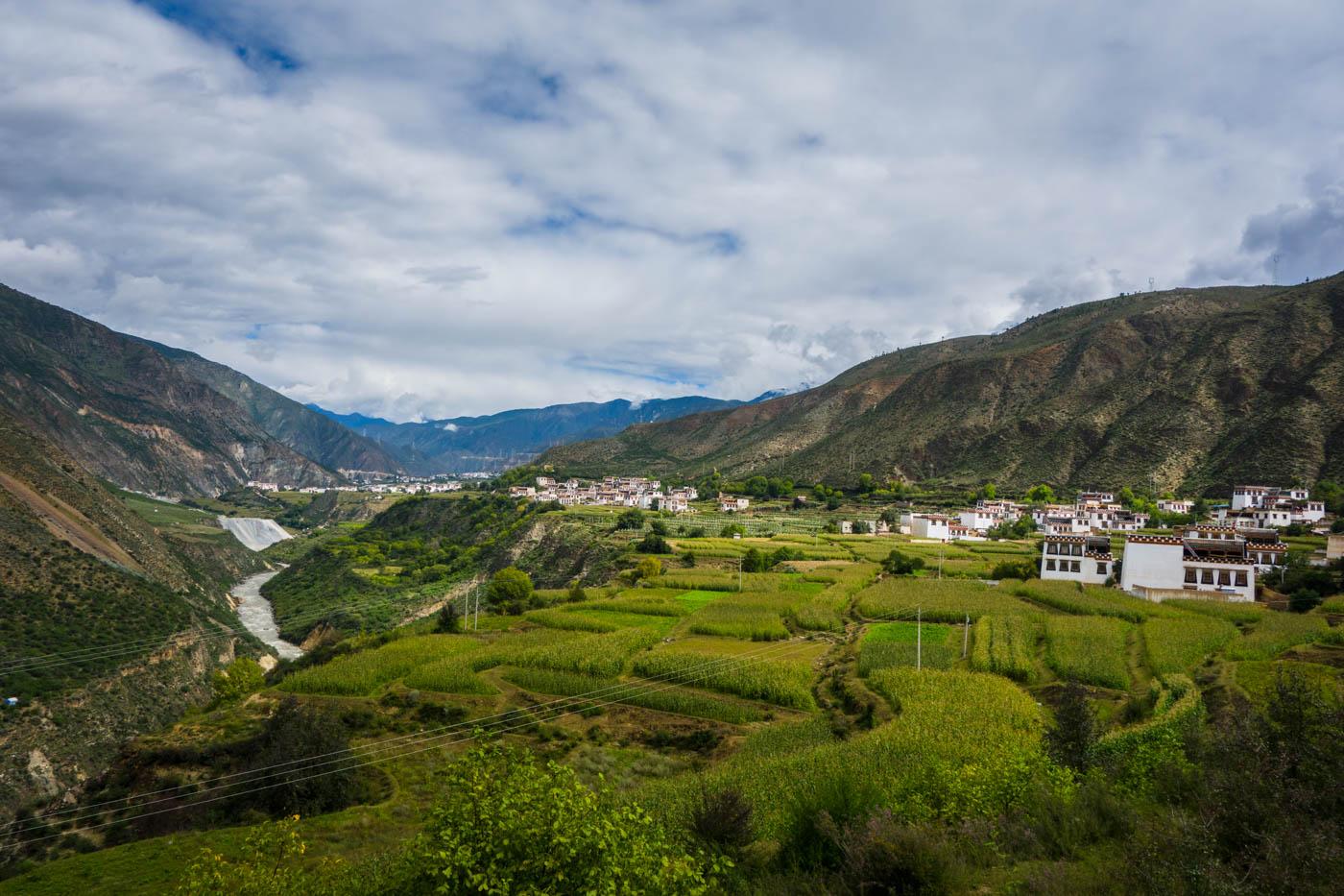 Xiangcheng to Yunnan province - TwistingSpokes