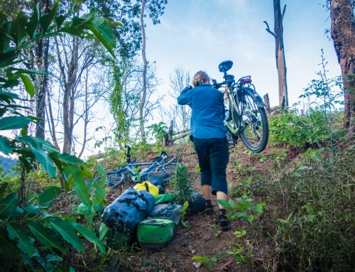 Borderlands and hill tribes, back on the bikes