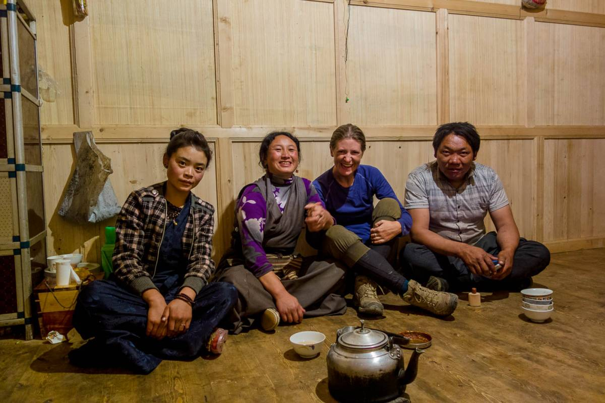 Tibetan hospitality, a high road, Seda to Litang